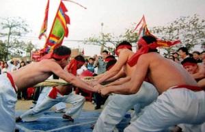 Hình ảnh lễ hội kéo co làng Hữu Chấp (Hòa Long, Bắc Ninh).
