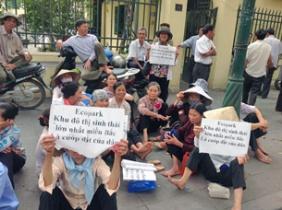 Dân oan Dương Nội tập trung khiếu kiện ở Hà nội