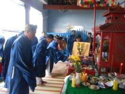 Các bô lão xã An Hải tổ chức các nghi lễ cúng tế, tưởng niệm lính Hoàng Sa.