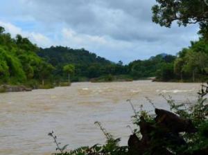 Nơi dự kiến xây đập Don Sahong, trên dòng kênh Hou Sahong, miền Nam Lào.