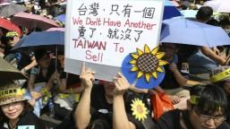 Phong trào đấu tranh 'Hoa Hướng dương' của sinh viên Đài Loan đã sang tuần thứ tư