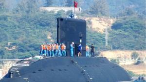 Hải quân Việt Nam chưa đủ trình độ điều khiển tàu ngầm lớp Kilo?