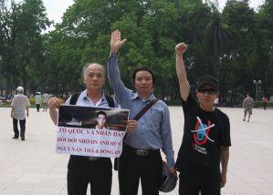 Anh Đào Tiến Thi trong cuộc biểu tình chống Trung quốc tại HN