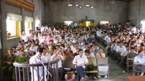 Quang cảnh một phiên tòa lưu động ở Hà Nội. Bất kỳ ai đều được vào dự khán, một phiên tòa công khai đúng nghĩa (ảnh minh họa).