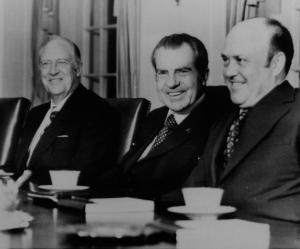 Tổng thống Nixon gặp William Rogers và Melvin Laird