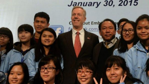 Đại sứ Hoa Kỳ tại Việt Nam Ted Osius nói Hoa Kỳ sẵn sàng 'tiếp sức' cho con rồng Việt Nam 'cất cánh.'