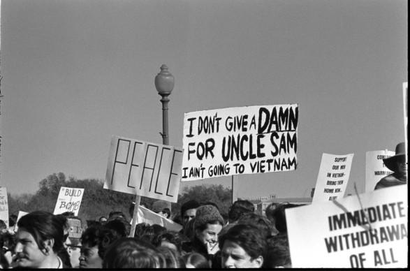 Cuộc chiến tranh Việt Nam đã bắt đầu trước thời ông Johnson khá lâu và kết thúc năm 1975, vài năm sau khi ông Johnson rời khỏi Nhà Trắng, nhưng với nhiều người dân Mỹ, cuộc chiến tranh Việt Nam có sự liên kết chặt chẽ với giai đoạn đương nhiệm của Tổng thống Lyndon Johnson. Ảnh: lbjlibrary.org