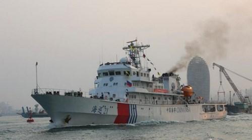 Ngày 21 tháng 4 năm 2014, tàu Hải tuần-21 (trong hình) và tàu Hải tuần-1103 của Cục hải sự Hải Nam - Trung Quốc cùng thủy phi cơ nước này khởi hành đến vùng biển quần đảo Hoàng Sa để tuần tra phi pháp