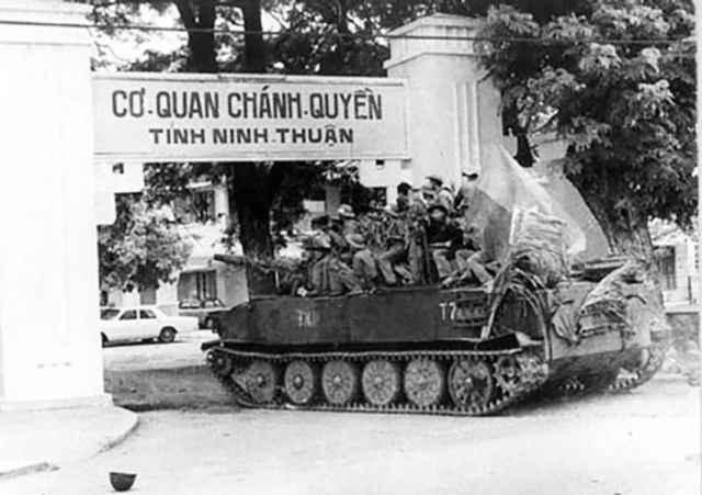 Các tướng cộng sản đánh chiếm Ninh Thuận như trò... rước sư tử