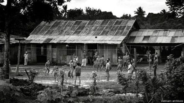 Nhà nước Việt Nam nhiều lần cho rằng các học viên học tập ở các trại cải tạo sau 30/4/1975 đều được đối xử tốt đẹp, nhân đạo.