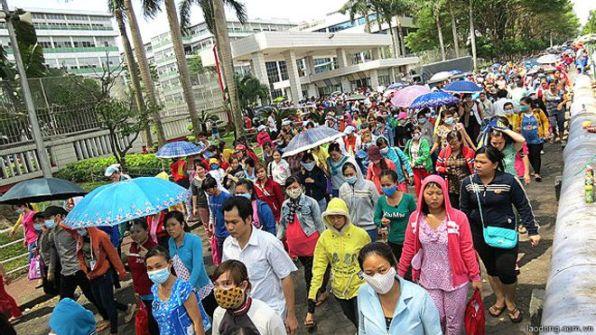 Cuộc đình công của công nhân ở khu công nghiệp Tân Tạo, TP. Hồ Chí Minh đã buộc chính quyền thay đổi chính sách pháp luật về bảo hiểm xã hội.