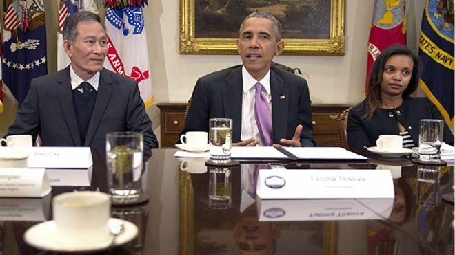 Có 30 nhà báo được đề nghị trong danh sách mời gặp Tổng thống Obama, nhưng chỉ có ba nhà báo trong đó có blogger Điếu Cày được dự cuộc gặp hôm 1/5/2015.