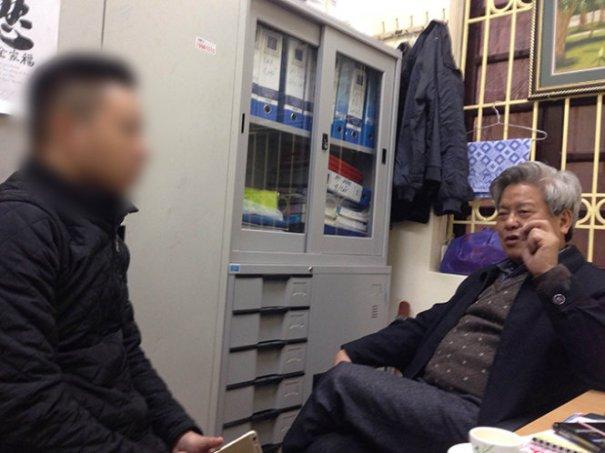 Ông Kim Quốc Hoa khi trả lời phỏng vấn báo chí tại trụ sở báo Người Cao Tuổi vào sáng 9-2-2015 - Ảnh: V.V.T