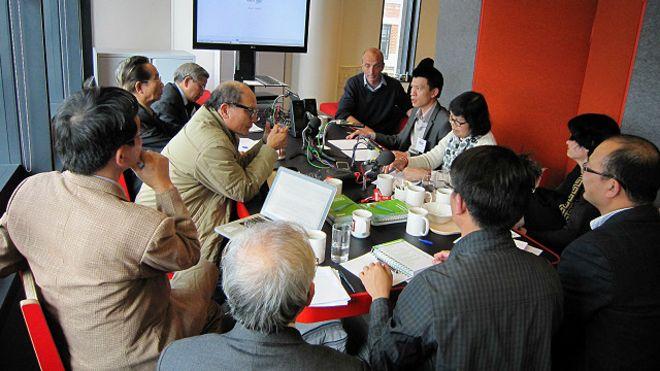 Đoàn khảo sát thuộc Vusta thăm và trao đổi với BBC về luật tự do thông tin với báo chí, truyền thông tại Anh.