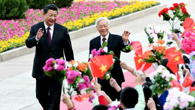 Lãnh đạo ĐCS Trung Quốc, Chủ tịch Tập Cận Bình tiếp Tổng bí thư Đảng CSVN tại Bắc Kinh đầu năm nay.