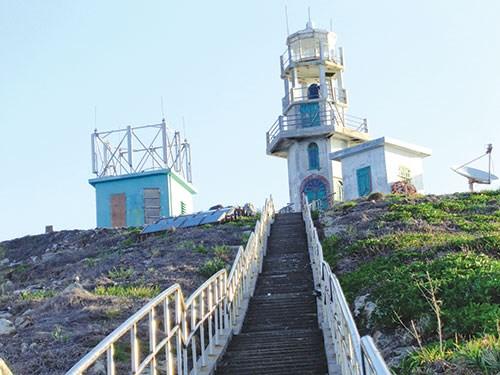 Ngọn hải đăng trên Hòn Hải được báo Bình Thuận, cơ quan ngôn luận của Đảng bộ tỉnh Bình Thuận xác định rõ là điểm A6 trên đường cơ sở để tính chiều rộng lãnh hải Việt Nam 1982.