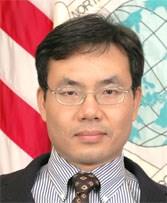 Tiến sĩ Alexander Vuving, chuyên gia nổi tiếng chuyên nghiên cứu các lãnh vực về an ninh châu Á, Đông Nam Á, Trung Quốc, Việt Nam và Biển Đông, ông hiện là Phó Giáo sư tại trung tâm Nghiên cứu An ninh châu Á-Thái Bình Dương tại Honolulu, Mỹ.
