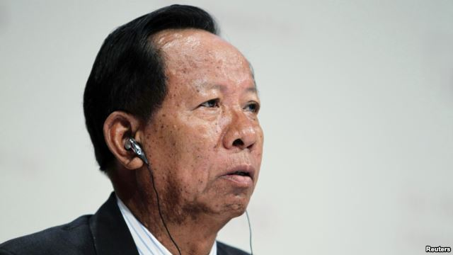 http://www.voatiengviet.com/content/doan-quan-su-cap-cao-campuchia-sang-trung-quoc-tim-hau-thuan/2859533.html