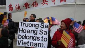 Trong nước dân không được phản đối Trung Quốc xâm lược, người Việt tại hải ngoại lên tiếng thay (ảnh Bùi Văn Phú)