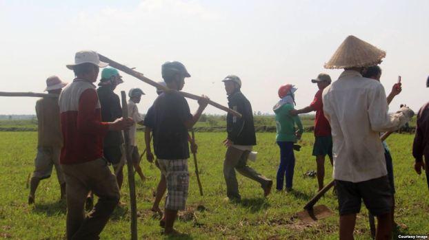 Hàng trăm người Việt Nam và Campuchia đã va chạm với nhau trên biên giới hồi cuối tháng trước.