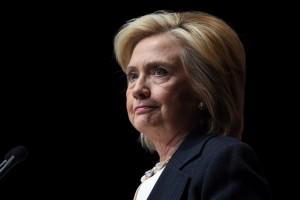 Bà Hillary Clinton tại Las Vegas vào ngày 18 tháng 6 năm 2015. Bà Clinton gần đây chỉ trích chế độ Trung Quốc về việc nước này đánh cắp thông tin mạng và quân sự hóa nhanh chóng. (Ethan Miller/Getty Images)