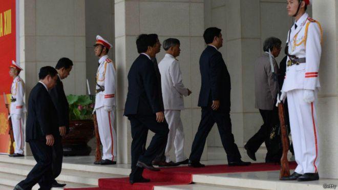 Quan chức Việt Nam - hình chỉ có tính minh họa