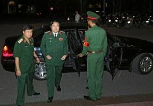 Đại tướng Phùng Quang Thanh đến hội trường Bộ Quốc phòng tối ngày 27/07/2015