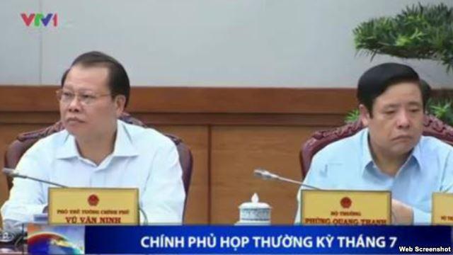 Bộ trưởng Quốc phòng Việt Nam Phùng Quang Thanh trong đoạn clip về phiên họp thường kỳ của chính phủ hôm 31/7
