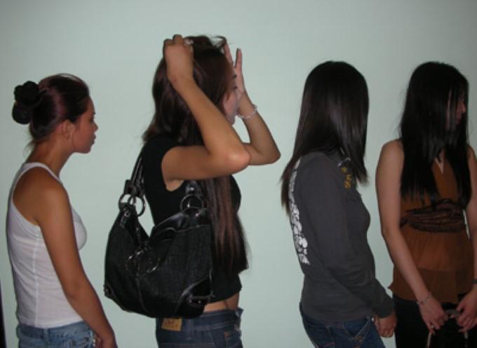 Băng nhóm này đã môi giới trót lọt 10 người phụ nữ Việt Nam qua biên giới. (Ảnh: minh họa)