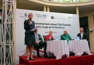 Buổi chiều ngày 30/3/2015, tại Tòa đại sứ Đức tại Hà Nội đã diễn ra cuộc gặp gỡ, trò chuyện giữa một số nghị sĩ của Đức và Thụy Điển với giới xã hội dân sự Việt Nam
