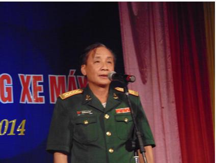 Ông Nguyễn Văn Tùng - Đại tá, Phó Tổng Giám đốc Tập đoàn Thiết bị y tế BQP phát biểu khai mạc chương trình Đại hội hoa hồng của Liên Kết Việt