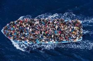 """""""Thuyền nhân"""" vượt Địa Trung Hải"""