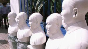 Những bức tượng Hồ Chí Minh tại một xưởng sản xuất tư nhân ở Sài Gòn