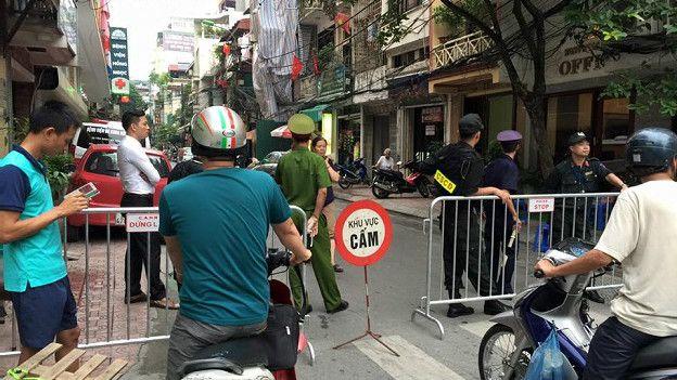 Facebook Biên Nguyễn cho biết không thích diễu binh, 'chỉ thấy dân bị lùa như đàn bò'