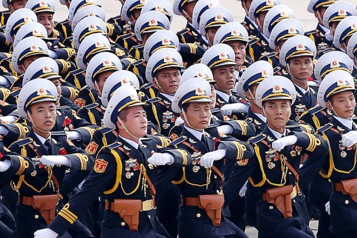 Ảnh: Những người đại diện quân đội diễu binh mừng lễ độc lập. Nguồn ảnh: ABC/Doan Tung