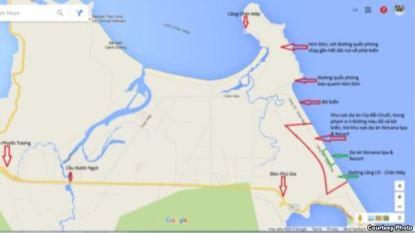 Khu vực dự án nằm dưới chân núi Phú Gia, chỉ cách đèo Phú Gia hơn 1km, và ngay sát Biển Đông