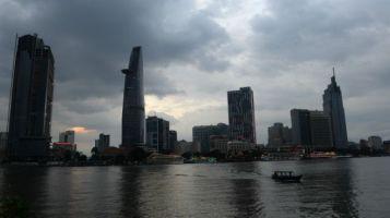 Giới chuyên gia cảnh báo nợ công Việt Nam có thể chạm trần trong thời gian tới. Photo: Getty