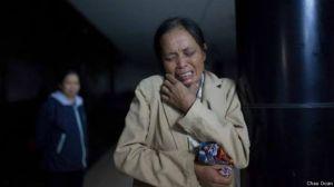 Bà Đỗ Thị Mai nói bà bị cản trở vào thăm con. Ảnh: Chau Doan