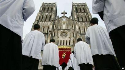 Hà Nội nói phúc trình thường niên của Mỹ về tự do tôn giáo tại Việt Nam là 'không khách quan' và 'sai lệch'.