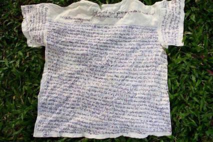 Chiếc áo kêu oan của tử tù Lê Văn Mạnh. Ảnh: FB Nguyễn Đức Giang
