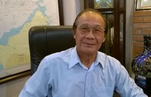 TS Trần Công Trục, người nguyện trải thảm đỏ đón TQ. Ảnh: báo GDVN