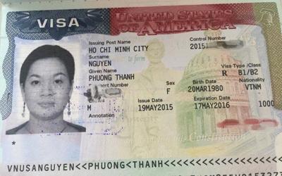 """Ảnh chụp visa nhập cảnh Hoa Kỳ của con gái ông Nguyễn Tấn Dũng. Bôi nhọ, chụp mũ trong cuộc chiến giành quyền lực được cho là rất gay cấn khiến ông Dũng phải """"phơi"""" visa của con gái, thậm chí tổ chức phản công trên mạng xã hội. (Hình: Internet)"""