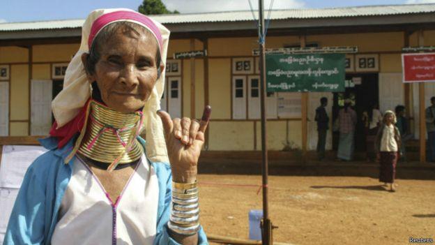 Một cử tri Myanmar. Photo: Reuters.