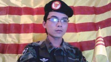 Ông Nguyễn Viết Dũng bị bắt sau khi tham gia tuần hành bảo vệ cây xanh Hà Nội hôm 12/4. Nguồn: Facebook