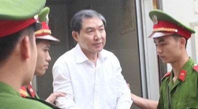 Dương Chí Dũng, cựu chủ tịch HĐQT Vinalines bị kết ản tử hình vì tội tham ô và cố ý làm trái hồi cuối năm 2013. (Hình: VnExpress)