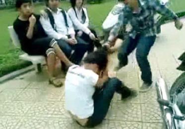 Bạo lực học đường. Nguồn ảnh: Dân Trí