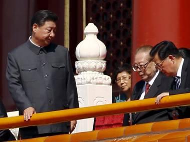 Tập Cận Bình, Giang Trạch Dân, Hồ Cẩm Đào tại buổi diễn hành của quân đội, đánh dấu 70 năm kết thúc Đệ Nhị Thế Chiến. Nguồn ảnh: Reuters.