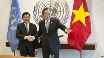 Tổng thư ký LHQ Ban Ki-moon và Chủ tịch nước Việt Nam Trương Tấn Sang tại trụ sở Liên Hiệp Quốc ngày 24 tháng 9, 2015. Photo: AP