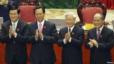 'Tứ trụ' từ phải: Chủ tịch Quốc hội Nguyễn Sinh Hùng, Tổng Bí thư Nguyễn Phú Trọng, Thủ tướng Nguyễn Tấn Dũng và Chủ tịch Nước Trương Tấn Sang. Nguồn: Reuters.