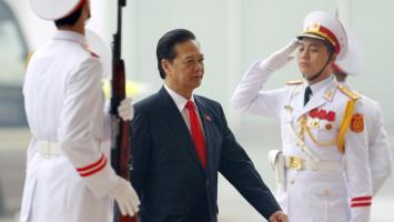 Thủ tướng Việt Nam Nguyễn Tấn Dũng (G) đến dự Đại hội Đảng lần thứ 12, Hà Nội, ngày 21/01/2016 REUTERS/Luong Thai Linh/Pool
